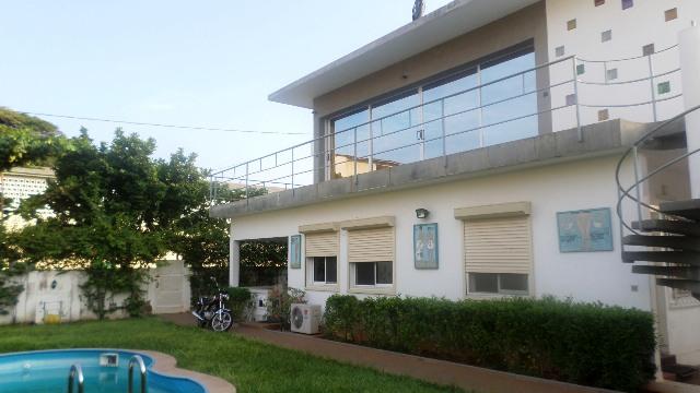 A louer villa de charme avec piscine souzan tim lom for A louer immobilier