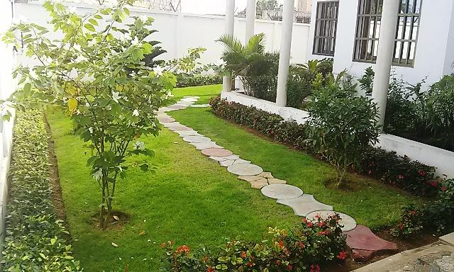 A louer villa moderne avec jardin baguida lom phillison co immobilier - Appartement a louer avec jardin ...