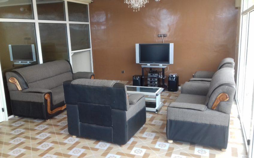 A louer: Villa duplex meublée, Baguida-Lomé.