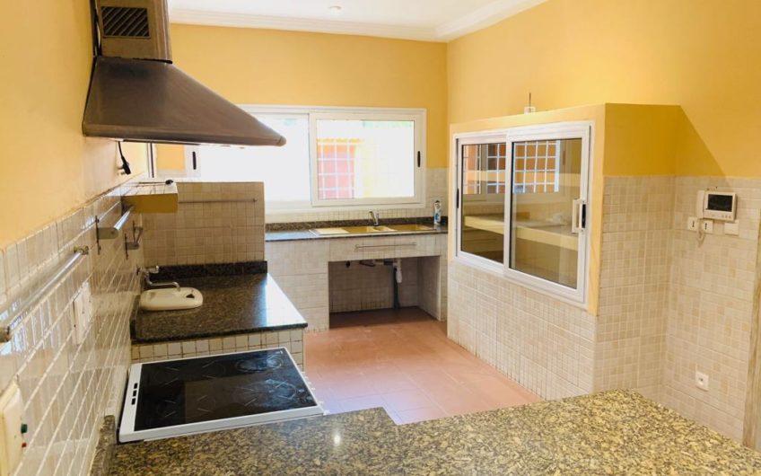 A louer: Villa plein pied avec piscine, Lomé.