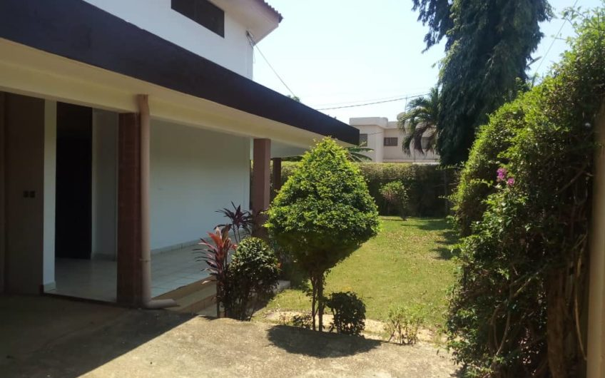 A louer: Villa avec piscine à Forever, Lomé.