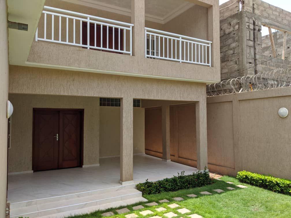 A vendre: Villa duplex moderne avec titre foncier, Avénou-Adidogomé.