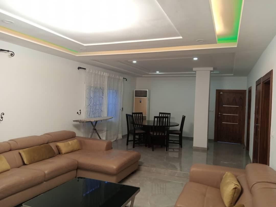 A louer: Villa Duplex standing meublée, Tokoin hôpital