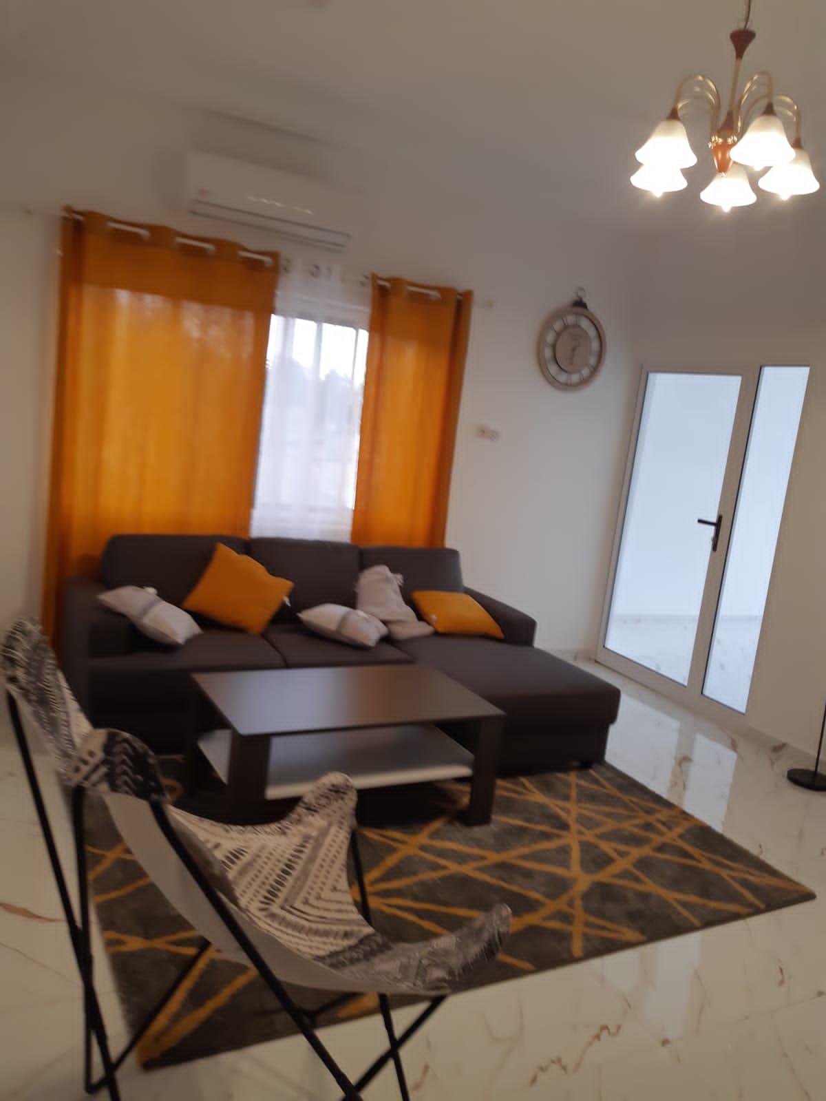 A louer: Villa moderne meublée, Agoe-Legbassito.